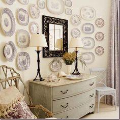 decorar las paredes con platos ceramica