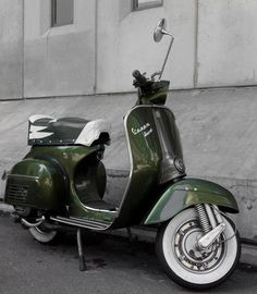 vespa dark green