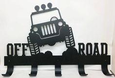 Hors route Jeep 4x4 Coat Rack poudrée de 22 po de par UpNorthSign