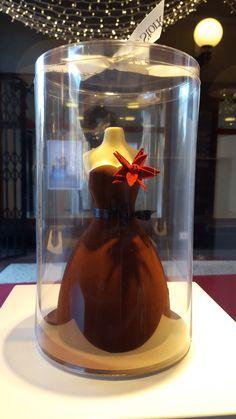 We hebben weer de leukste en mooiste chocolade cadeaus voor de #kerst klaar staan, dus snel naar Ho Ho Hop en Stork! www.hopenstork.com