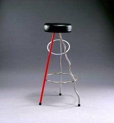 Javier Marisal. Taburete Dúplex 1980. Primer diseñador gráfico español. Lo vernáculo (propio del país): inspiración en Joan Miró.