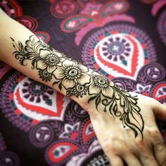 Stylish Flower Henna Designs for Hands & Arms Mehndi Desgin, Indian Mehndi Designs, Mehndi Designs 2018, Mehndi Images, Henna Tattoo Designs Arm, Simple Mehndi Designs, Mehndi Designs For Hands, Latest Henna Designs, Flower Henna