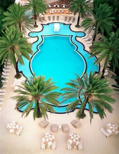 The Raleigh Hotel, Miami Beach, Florida - 10 Most Beautiful Hotel Pools Around the World