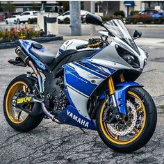 - motorcycles-and-more: Yamaha R1