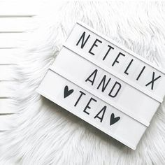 dorm room decor ideas that will school you in style 21 dorm room decor ideas that will school you in dorm room decor ideas that will school you in style Light Up Message Board, Light Board, Lightbox Letters, Lightbox Quotes, Netflix Quotes, Cinema Box, Licht Box, Led Light Box, Boxing Quotes