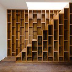 Stair(book)way to heaven #interior #interiordesign #interiör #inredning #interiør #inspiration #dekoration #decoration #design #homedecor #moodboard #scandinaviandesign #møbler #inspirasjon #nordiskehjem #interiørmagasinet #blackandwhite #inspo #interior2you #finahem #heminredning #danskdesign #instahome #instainterior #livsstil #lifestyle #fashion #mode