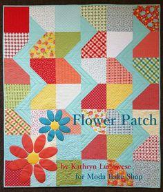 Like the zig zag idea - Flower Patch Quilt « Moda Bake Shop Baby Quilt Tutorials, Beginner Quilt Patterns, Modern Quilt Patterns, Quilt Patterns Free, Quilting Tutorials, Quilting Projects, Quilting Designs, Quilting Ideas, Block Patterns