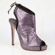 #vanessanoelshoes #cfda #fashionbloggers #sexy #stiletto #instaglam #hashtagfashion #vanessanoelstyle #fashioneriters #style #shoefie
