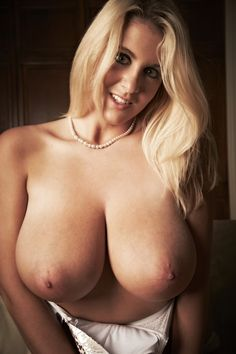 starbux nude Rockell