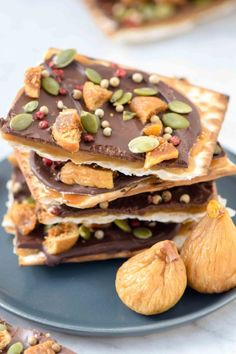 Crunch on matzoh toffee this weekend. It's an easy dessert perfect for Passover, topped with our premium California grown dried figs and pumpkin seeds by Emily Paster. #valleyfig #matzohtoffee Fig Recipes, Gourmet Recipes, Dessert Recipes, Jewish Recipes, Passover Desserts, Chocolate Toffee, Chocolate Recipes, Vegetarian Chocolate, Clean Eating Snacks