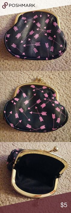 "👛 Black Coin Purse with Pink Arrows No trades. Gently used. Measures approximately 4 1/2"" x 4"". I ship same or next day! Bags Wallets"