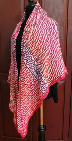 Pink Mosaica - A Shawl by Priscilla Hollingsworth - free
