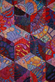 close up, Wings by Rory Ross.  2010 Houston International Quilt show.  Photo by Sarah Fielke.  The wings were machine appliqued on tumbling block shapes.