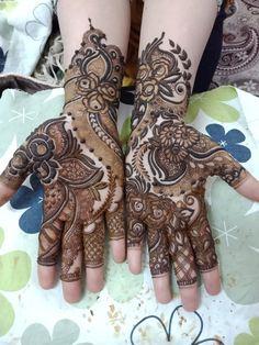 Samreen mehndi artist old Delhi 9999139243 Pakistani Henna Designs, Khafif Mehndi Design, Floral Henna Designs, Latest Arabic Mehndi Designs, Mehndi Designs Book, Dulhan Mehndi Designs, Mehndi Design Pictures, Wedding Mehndi Designs, Unique Mehndi Designs