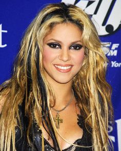 So wish I could pull off the blonde and black like this!!