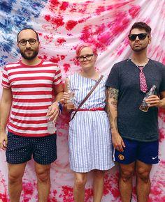 ohdeardrea: fourth of july party, a tie dye party backdrop!