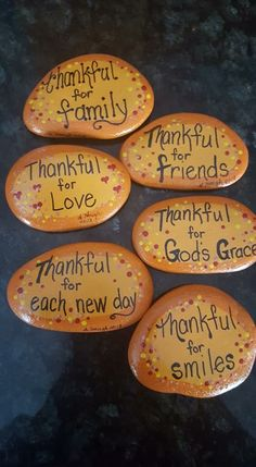 Thankful for love & caring of a partner, or the trust & reliability of a friend. Rock Painting Patterns, Rock Painting Ideas Easy, Rock Painting Designs, Paint Designs, Autumn Painting, Pebble Painting, Stone Painting, Diy Painting, Painted Rocks Craft
