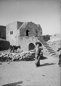 Ramallah - رام الله : RAMALLAH - Guest house in Ramallah, early 20th. c., (Matson Collection)