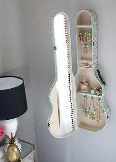 Étui de guitare pour ranger les bijoux