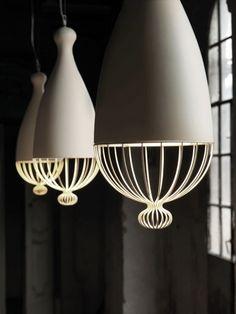O designer Edmondo Testaguzza assina a linha de luminárias Le Trulle, para a Karman, com estrutura de metal e cerâmica