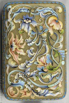 An Art Nouveau Silver-gilt and Enamel Box, Russia, with polychrome enamel floral and foliate motifs. #ArtNouveau #box