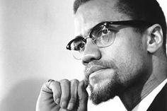 Malcolm Little ficou órfão aos 6 anos e passou a adolescência em orfanatos e internatos. Junto com Martin Luther King Jr., representa a luta antissegregacionista americana. Ao contrário de Luther King, Malcolm defendia que os negros deveriam responder com violência à violência imposta pelos brancos. Foi assassinado com 13 tiros, em 1965, enquanto discursava.