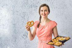 Dokonalá chuťovka: Křupavé kynuté preclíky a pikantní sýrová pomazánka - Proženy Lady Dior, Bread, Recipes, Brot, Recipies, Baking, Breads, Ripped Recipes, Buns