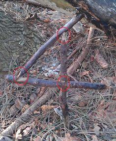 Figure 4 Deadfall Trap  www.smartbushcraft.com