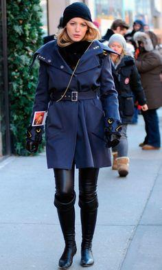Blake Lively As Serena Van Der Woodsen Wearing A Matthew Williamson Coat In New York, 2009
