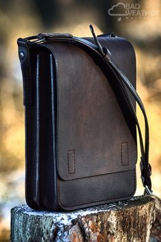 Leather Briefcase, Leather Backpack, Leather Wallet, Satchel Handbags, Leather Handbags, Leather Workshop, Messenger Bag Men, Leather Bags Handmade, Leather Accessories