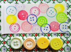 http://www.etsy.com/es/listing/98294526/button-rubber-stamps-hand-carved-rubber?ref=shop_home_active  Tienda talktothesun etsy