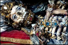 The skeletons of saints that were found in catacombs in Rome were restored and covered in riches. #inkedMagaizne #blog #HeavenlyBodies #book #Rome #saints