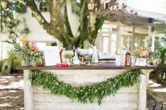 Intimate And Glamorous Hawaiian Wedding Inspiration | Weddingomania - Weddbook