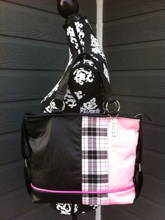 Lucy designs handmade purse of the day!!  Lovin the pink/black/plaid!!!