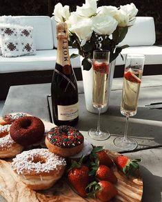 67 ideas for birthday breakfast romantic Cute Date Ideas, Good Food, Yummy Food, Romantic Dinners, Romantic Food, Romantic Bath, Romantic Night, Romantic Ideas, Food Trucks