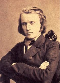 Johannes Brahms, German Classical Music Composer & Pianist, (Never knew he was so great looking - but what's up with his hair? Classical Music Composers, Romantic Composers, Daguerreotype, Charlie Chaplin, Famous Faces, Belle Photo, Famous People, The Past, Handsome