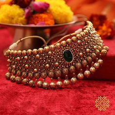 Wedding Jewelry 30 Latest Necklace Designs That Are Trending This Year Latest Necklace Design, Jewelry Design Earrings, Necklace Designs, Jewelry Stand, Indian Jewelry Sets, Indian Wedding Jewelry, Bridal Jewelry Sets, Gold Bridal Jewellery, South Indian Jewellery