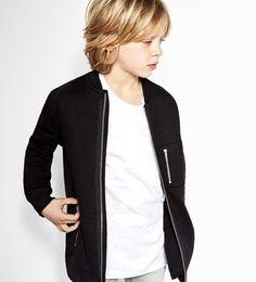 Image 1 of Long zipped sweatshirt from Zara Boy Haircuts Long, Toddler Haircuts, Little Boy Hairstyles, Shaggy Haircuts, Boys Long Hairstyles, Haircuts For Men, Men's Hairstyles, Trendy Haircuts, Hairstyle Men