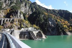 8217125-kurobe-dam-at-japan-alp.jpg (800×533)