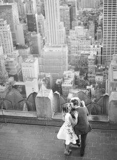 Engagement shoot at Top of the Rock. Photography: KT Merry Photography - ktmerry.com