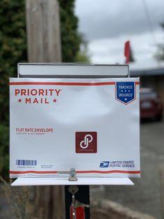 Cómo ahorrar tiempo y dinero en el envío de tus ventas online | Súper Baratísimo Gratis Flat Rate, Priorities, Envelope, The Unit, Snail Mail, Saving Tips, Money, Envelopes