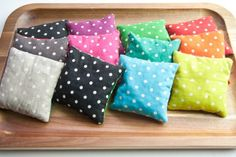 What filling makes the best hot pack? A comparison of hot pack fillings. - a Little Crispy Homemade Heating Pad, Diy Heating Pad, Heating Pads, Bean Bag Heating Pad, Rice Heating Bags, Bean Bag Warmers, Bean Bag Neck Warmer, Scrap Fabric Projects, Sewing Projects