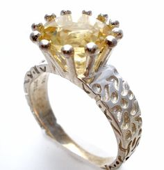 Sterling Silver Citrine Ring 4 Ct Size 9 Yellow Gemstone Nugget Band TGGC 925 #TGGC #Solitaire Pearl Jewelry, Diamond Jewelry, Antique Jewelry, Vintage Jewelry, Jewelry Necklaces, Jewelry Watches, Jewelry For Her, Fine Jewelry, Jewellery Sketches