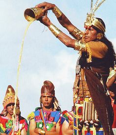 The Inca emperor would offer chicha ( alcoholic beverage made of fermented corn) to the sun.