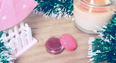 Christmas DIY home made lip scrub - sweet like honey. Great way to keep your lips kissable this holidays <3
