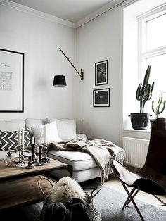 Grateful Stylish Layout Classy Living Room of The Lounge Room - Home of Pondo - Home Design Decoration Inspiration, Interior Design Inspiration, Home Interior Design, Interior Decorating, Lobby Interior, Decorating Games, Decor Ideas, Design Ideas, Retail Interior