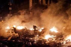 Eric Bouvet, Sem título, da série Heroes from Maidan, Kiev, Ucrânia, Fevereiro de 2014_e.jpg