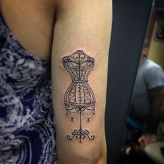 Manequim da Craudea #wotantattoo #tattoo #tatuagem #manequim #moda #leovalquilha #electricink #usoelectricink #ink #inked #tattoo2me
