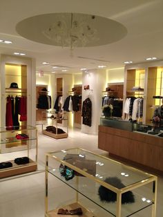 Bermudian Julia Currelly has opened the first Luisa Spagnoli store in North  America. The 1 70b3f80db2a