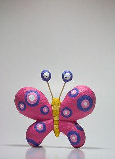 Papillon  en papier maché